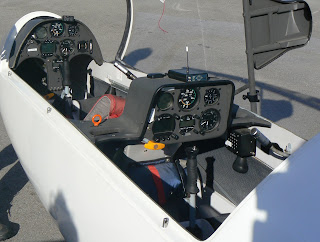 Cockpit del biplaça Duo Discus.