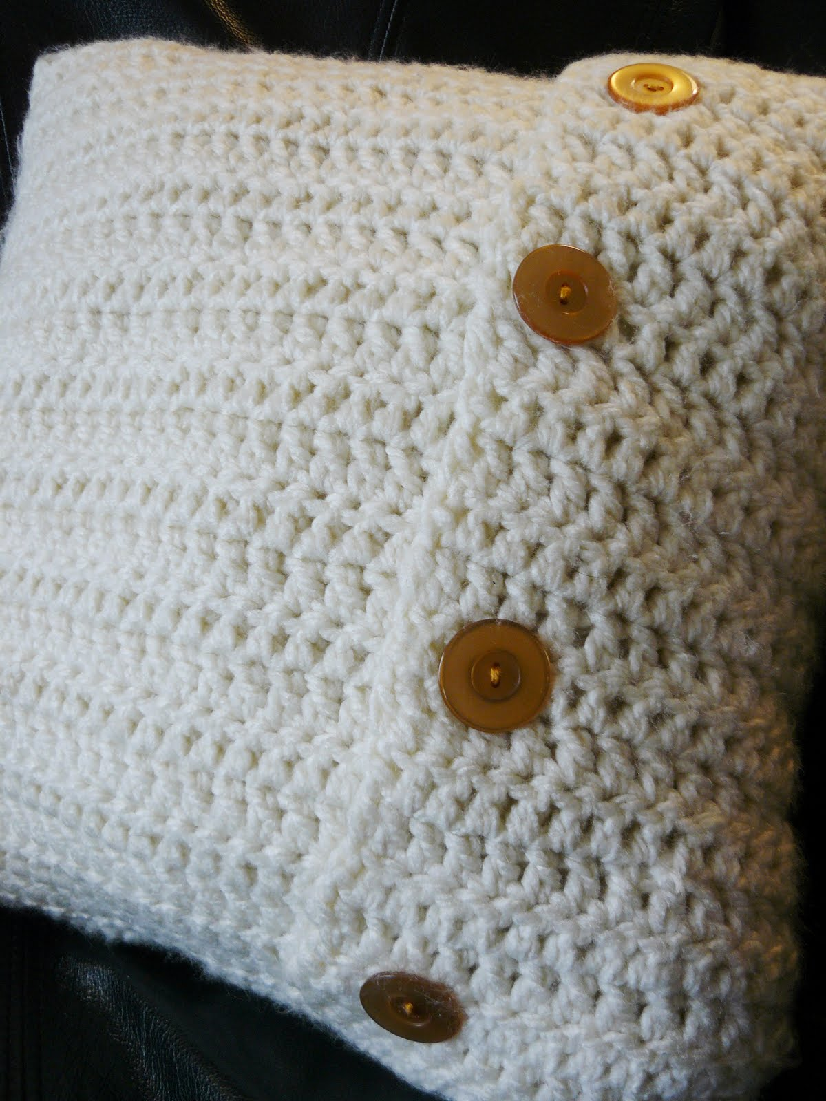 The Woven Home: Crochet Projects: Pillow