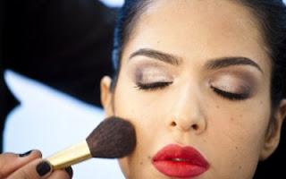 Dicas para afinar o rosto - Maquiagem 2011