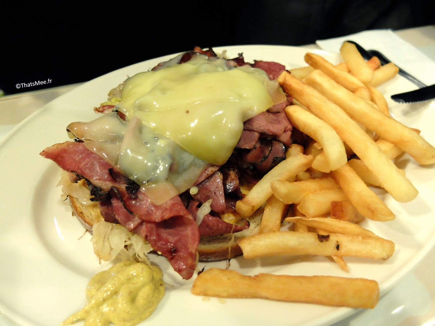 pastrami cheddar sandwich, Resto Amity NYC Upper east side pastrami tradi juif