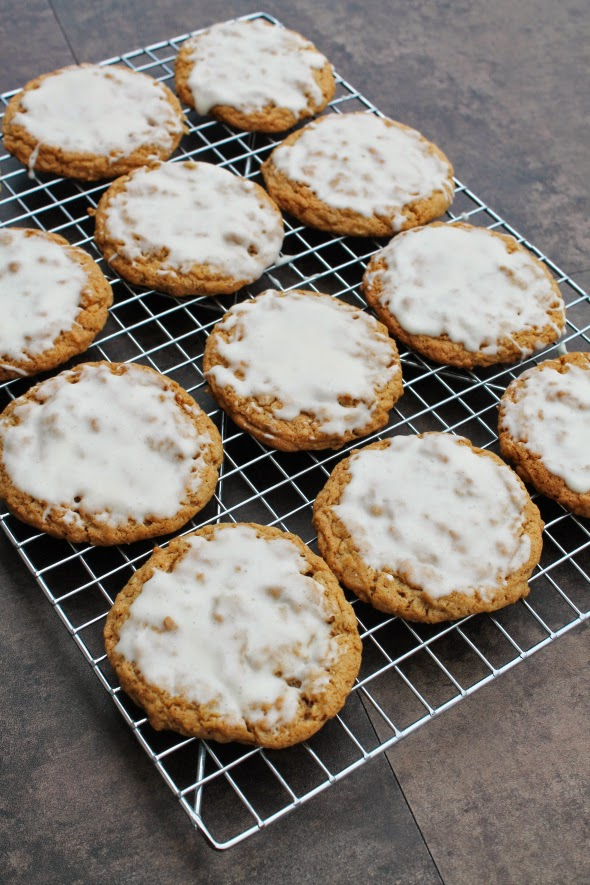 Chewy and Delicious Glazed Oatmeal Cookies