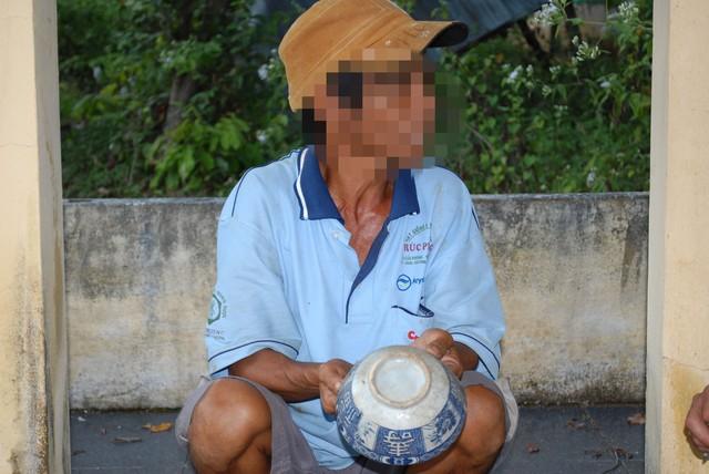"""Sự thật về """"thuốc thư"""" khiến nhiều người chết oan ở Gia Lai - Ra nghĩa địa uống nước cúng mới thoát (2)"""