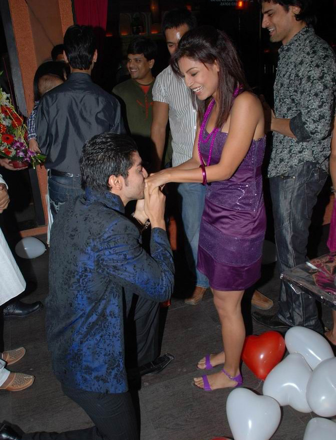Showbiz: Gurmeet Choudhary And <b>Debina</b> Bonnerjee