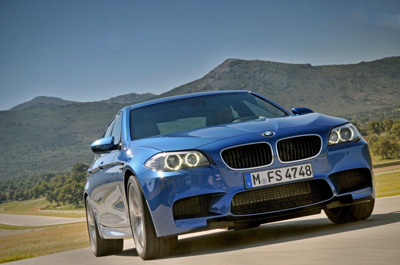 car i 2013 BMW M5 vs 2013 BMW M6 Coupe