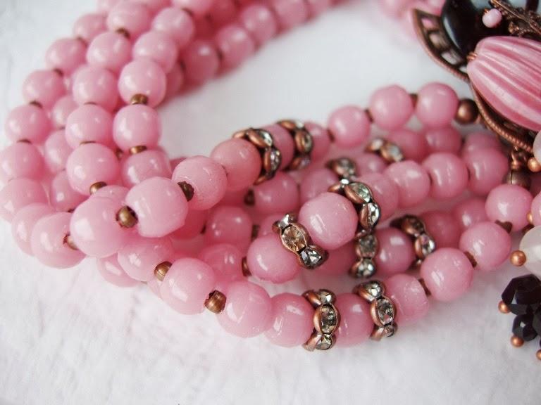 roosa käekett Eesti ehted Tšehhoslovakkia helmed Vintage style jewelry bracelet Schmuck armband perlen Bijoux perles ancienne de verre