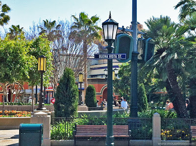 DCA Disney California Adventure Buena Vista Street Sign Park