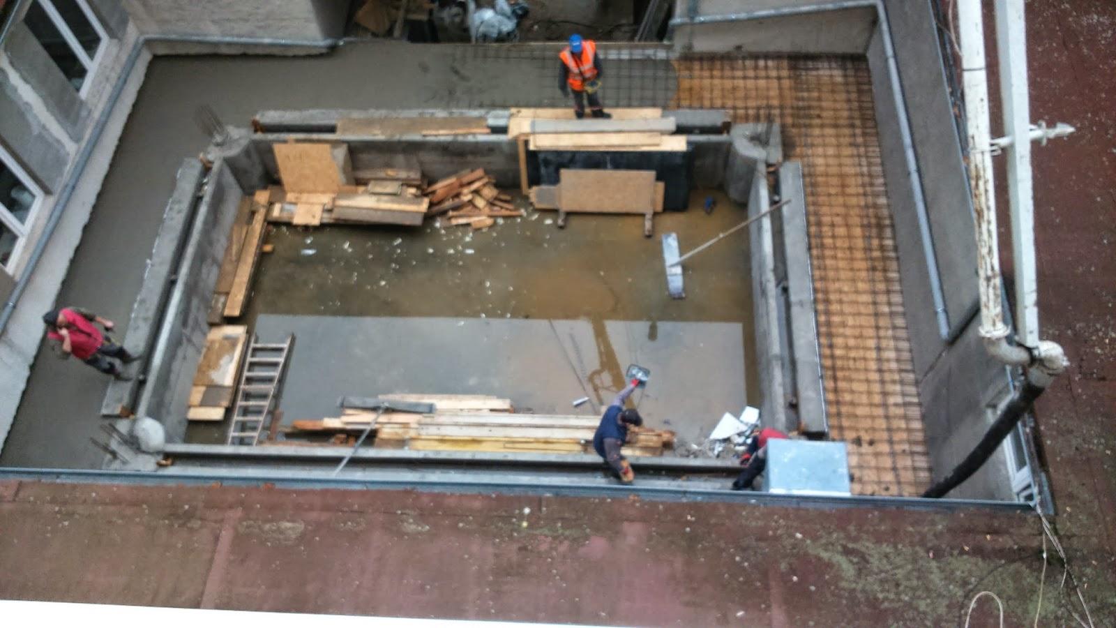 basen w budowie, widok z góry
