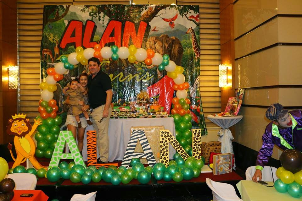 Alans 1st Birthday Party in a Roarin Jungle Safari Theme