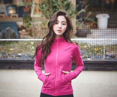 Lee Chae Eun Sporty Beauty Barrel