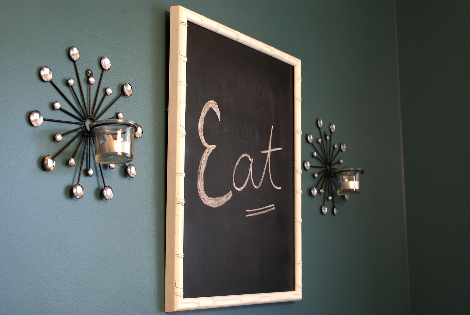 Nikkis' Nacs: A Little Bling For The Dining Room