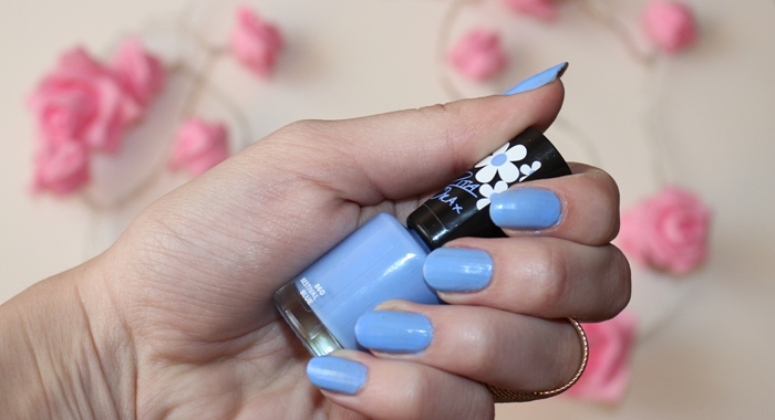 rita ora rimmel nail polish in festival blue, błękitny lakier do paznokci, trwały lakier
