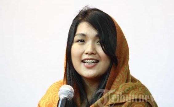 Foto Mahasiswi Hot Maharani Suciyono Siapakah Dia? : Zona Aneh