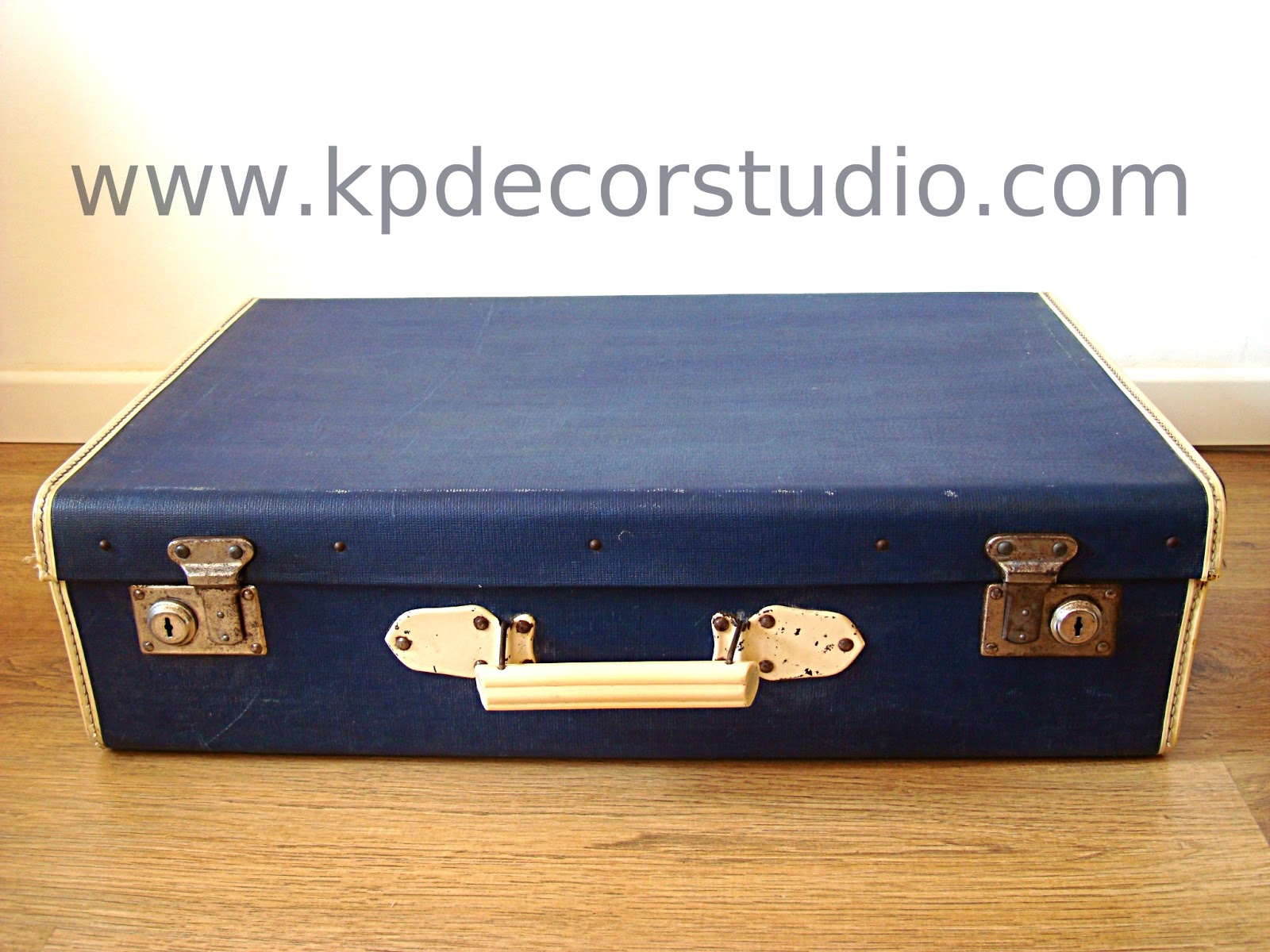 Kp tienda vintage online maleta antigua color azul for Maletas antiguas online