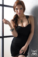 Hot Girl - Anicka Yu