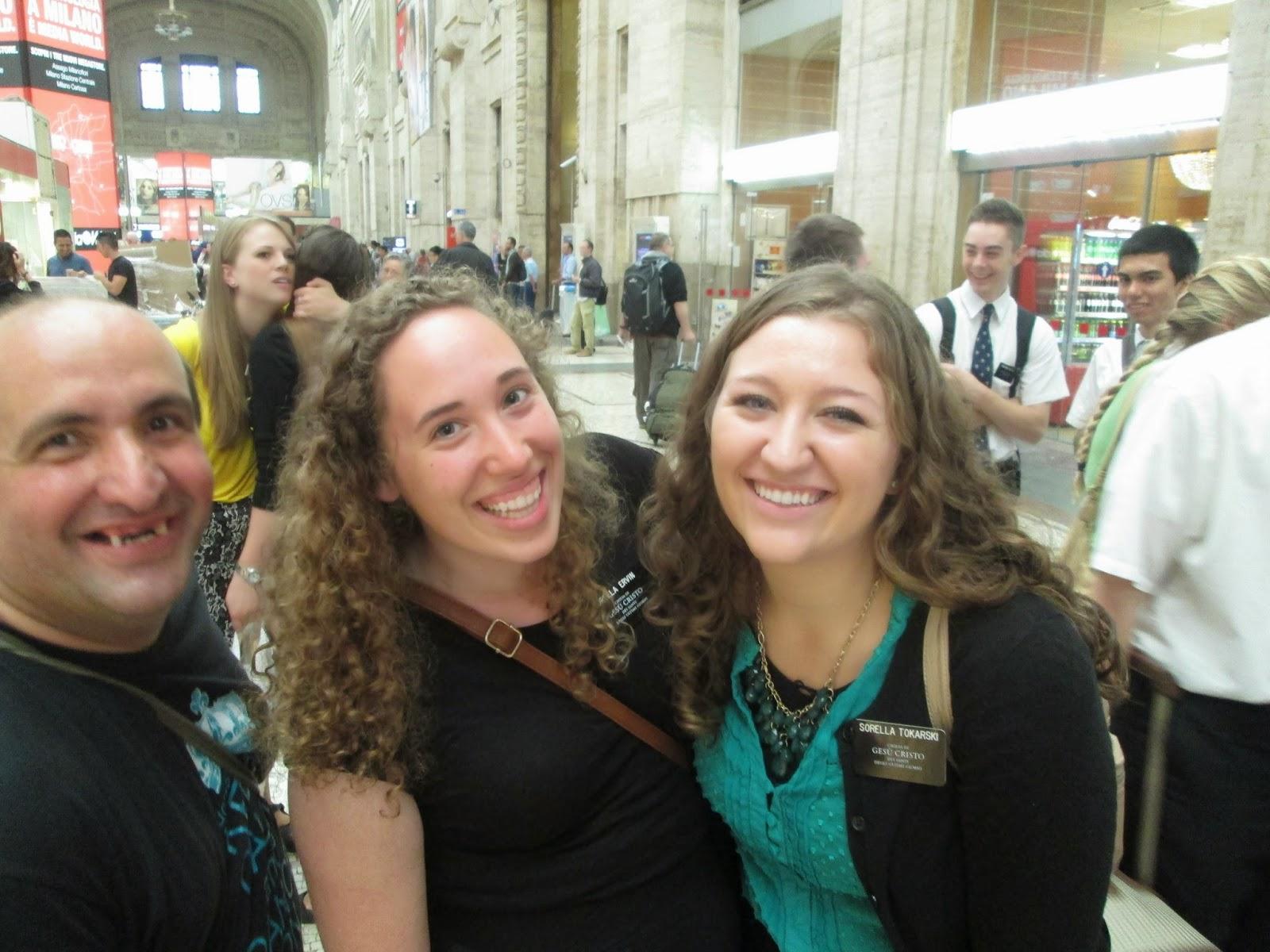 Italian women in missionary