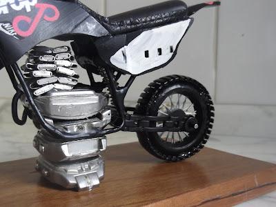 Motor Lander 250 Miniatura - Presente Criativo
