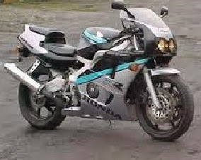 موتوسيكلات هوندا CBR 400
