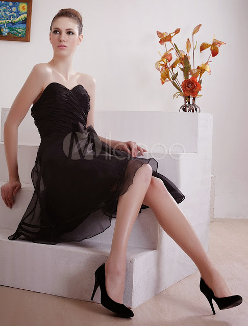 China Wholesale Clothes - Attractive Strapless Sweetheart Knee Length Organza Little Black Dress