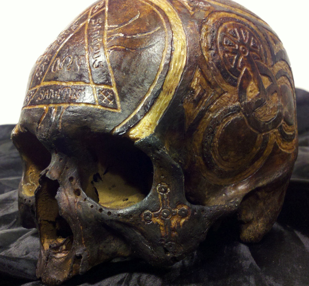 Powerhau worldwide real human skull carvings