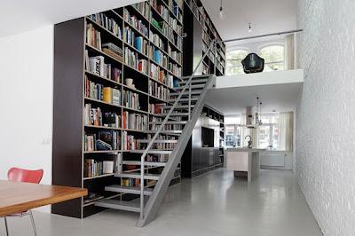 Rak Buku Sebagai Pembatas Antar Ruang