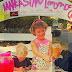 Menina de oito anos vende limonada orgânica para combater trabalho escravo infantil