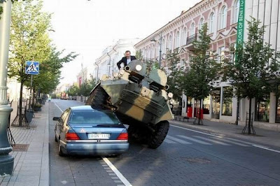 Lithuainian Mayor Fights Illegal Parking With A Tank Seen On www.coolpicturegallery.us