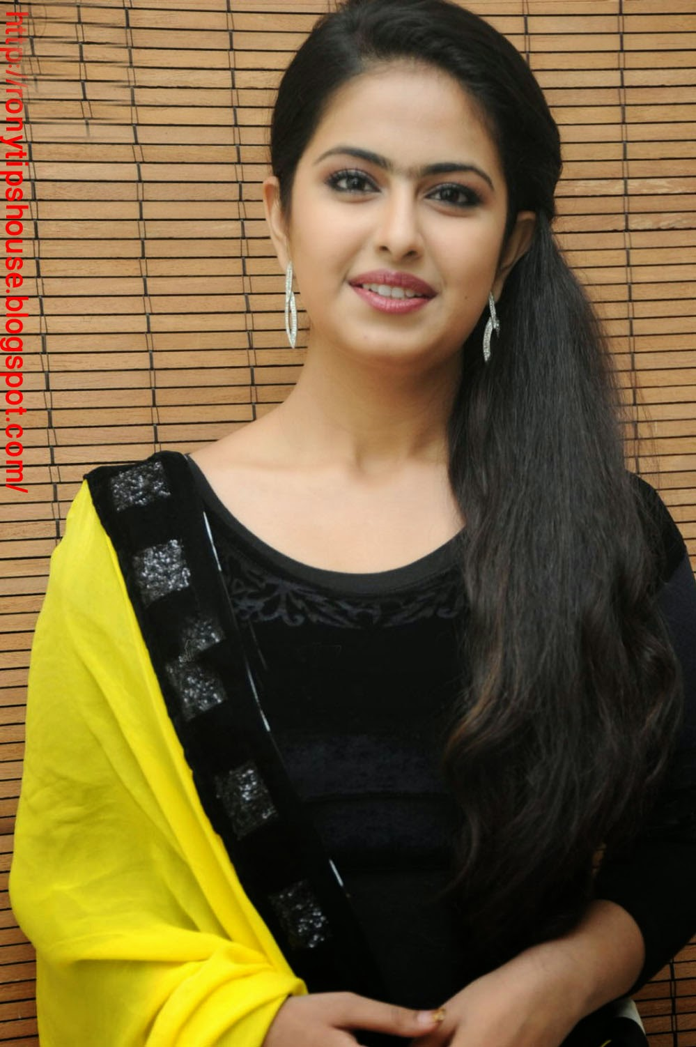 All Actress Biography And Photo Gallery : Mukti