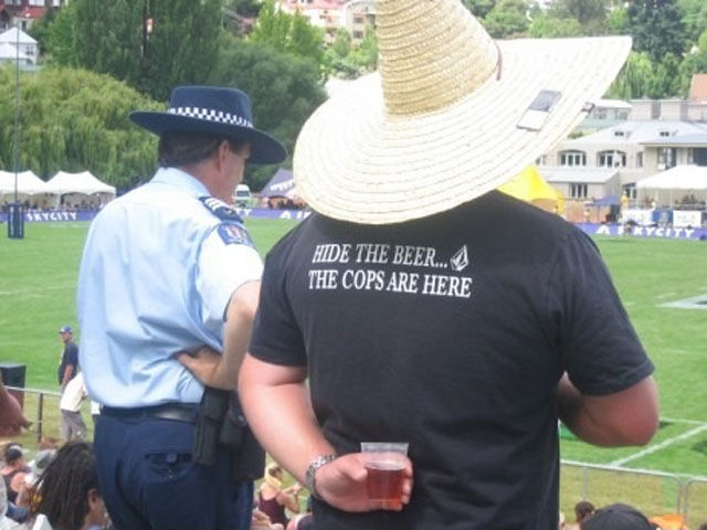 Hide The Beer The Cops Are Here funny t-shirt
