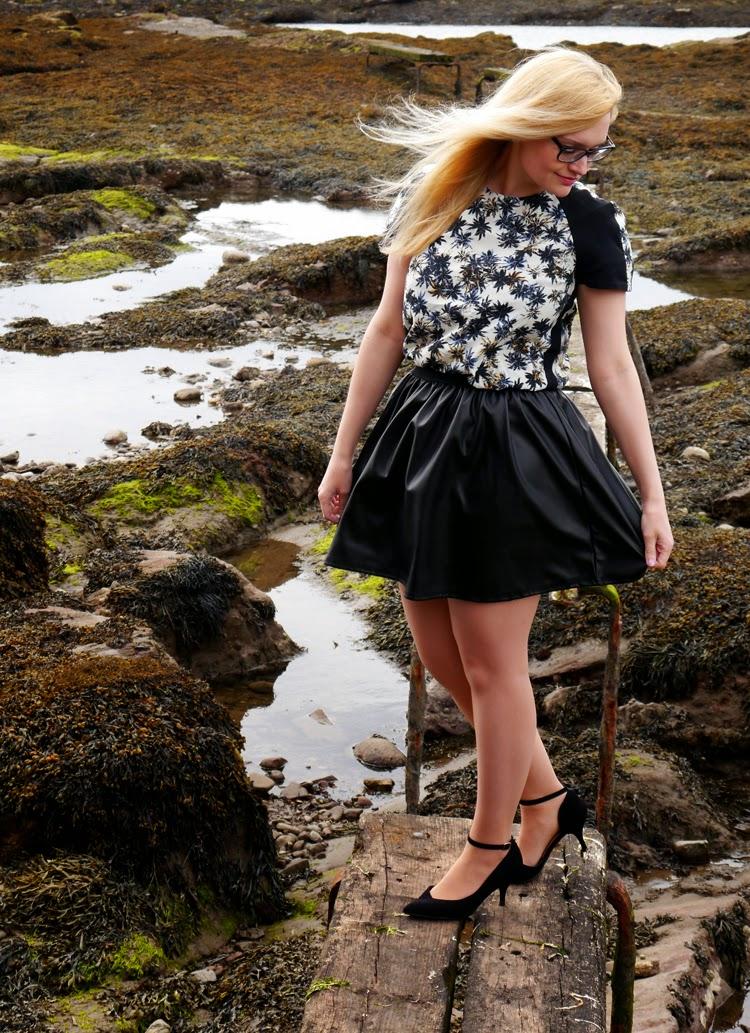 hawaii, Scotland, Arbroath, palm trees, ukelele, beach, fashion shoot, incredible backdrop, photoshoot, rock pool, model,