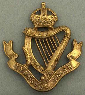 Tyneside Irish shoulder title, Imperial War Museum IWM Non Commercial Licence © IWM (INS 7625)