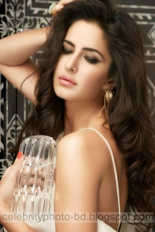 Katrina%2BKaif's%2BNew%2BHot%2BHD%2BWallpaper%2BPictures%2C%2Bphotos%2BFrom%2BMagazine001