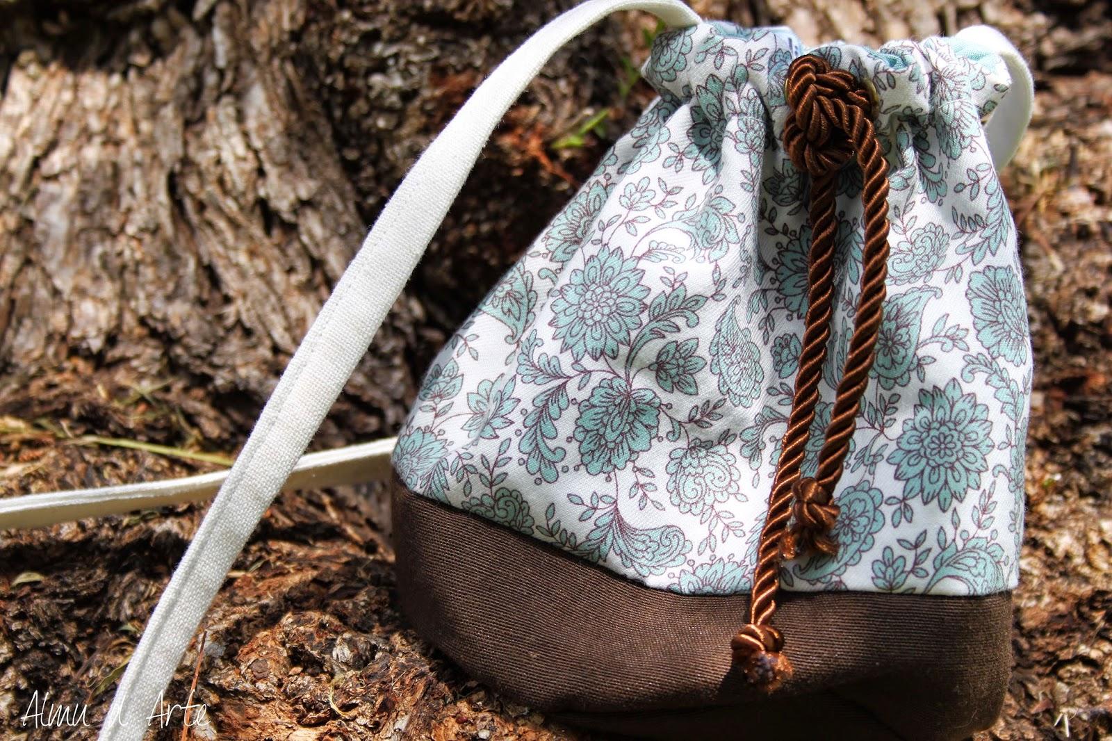 Bolso de tela tipo saco