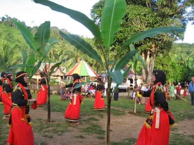 Sejarah Tari Lumense Dari Sulawesi Tenggara
