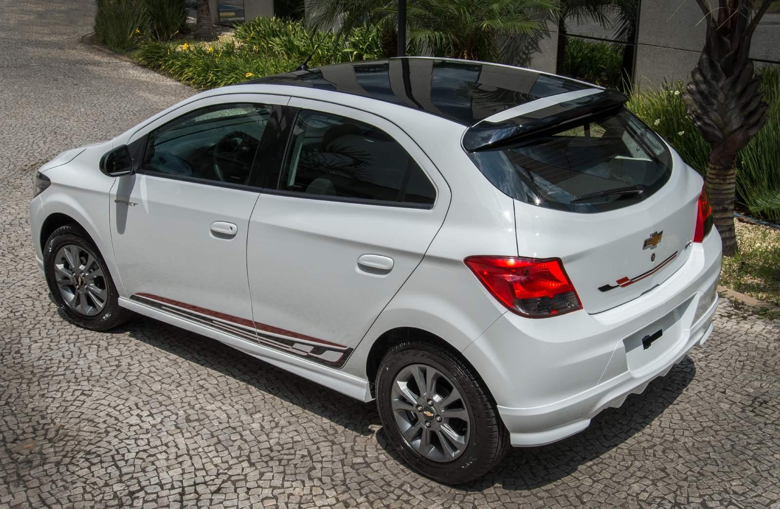 Chevrolet Onix 2015 - terceiro carro mais vendido do Brasil