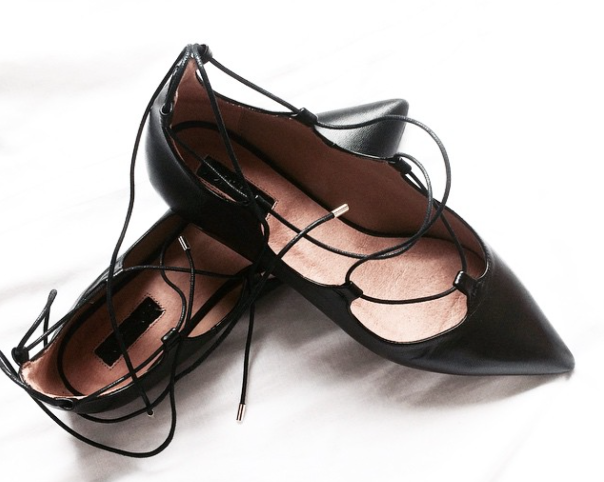 flat_lace_up_shoes_black