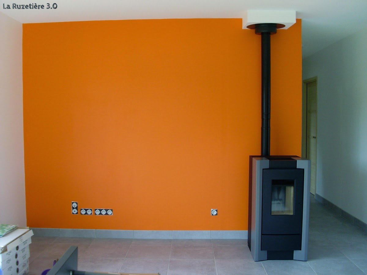 Salle de bain coloree castorama for Peinture orange castorama