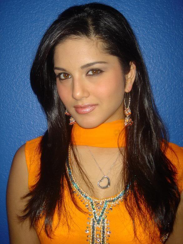 Sunny leone simple girl in salwaar chilly bonus plus mredginger 39 s red chillies - Sunny name wallpaper ...