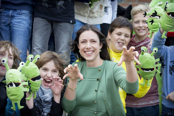 Pregnant Princess Viktória de Bourbon de Parme give stuffed animals to children of the Paperclip school in Krimpen aan den IJssel