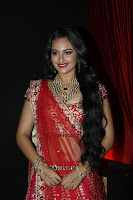Sonakshi, Sinha, Hot, Photos, at, India, Bridal, Fashion, Week, Sept, 2012