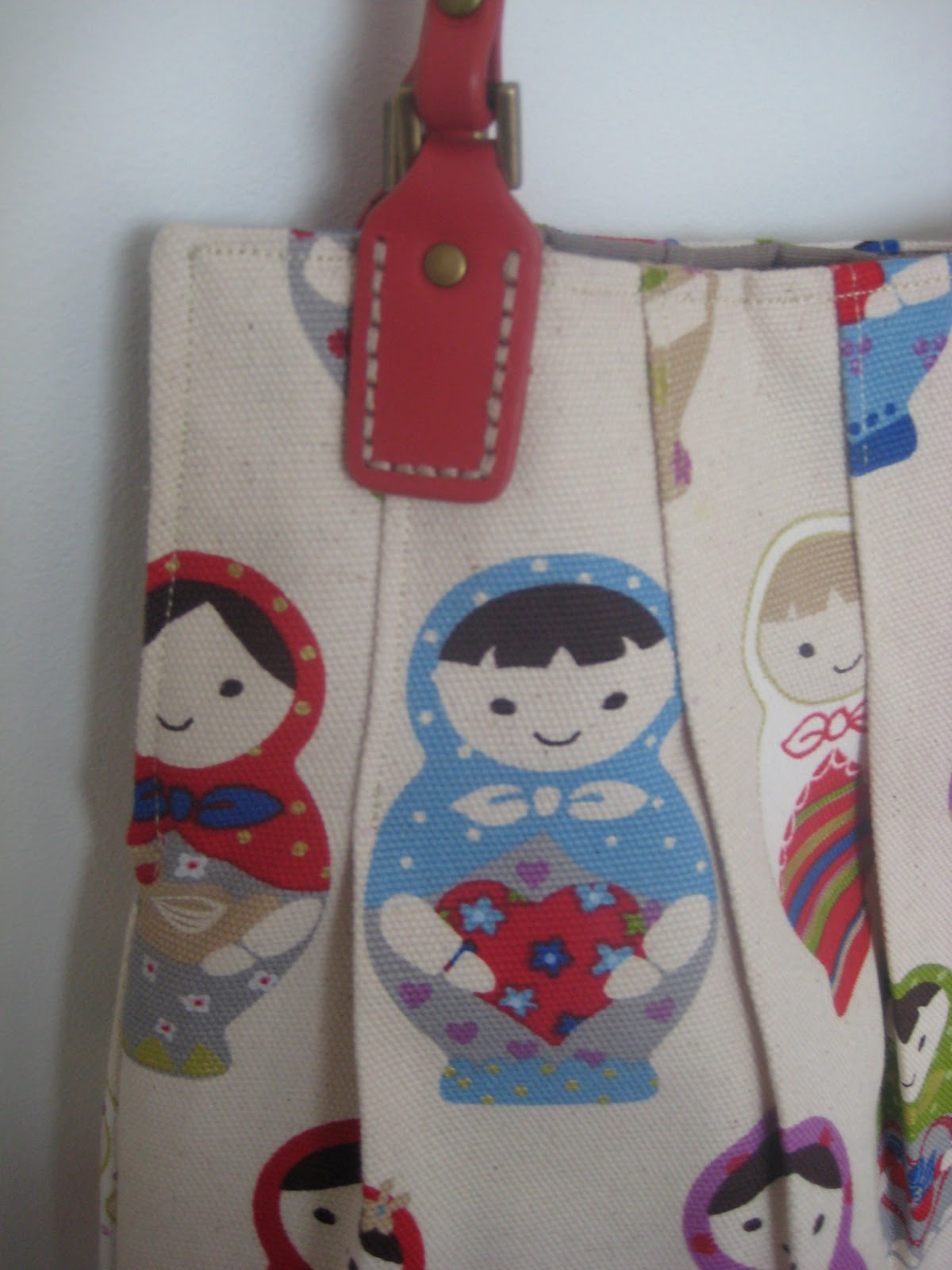 kitchen table sewing dolly bag
