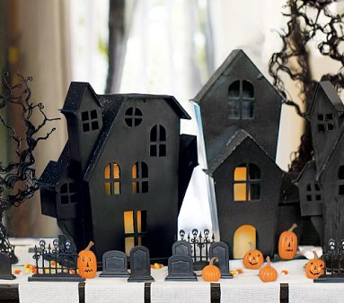Ez decorating know how spooktacular halloween decorations for Halloween home decorations