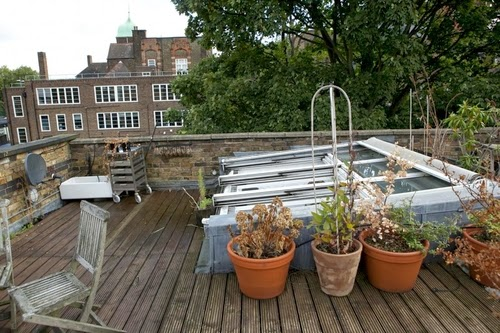 07-1st-Floor-Studio-Mews-Apartment-Camden-London-UK-Skylight-Roof-Terrace-Garden