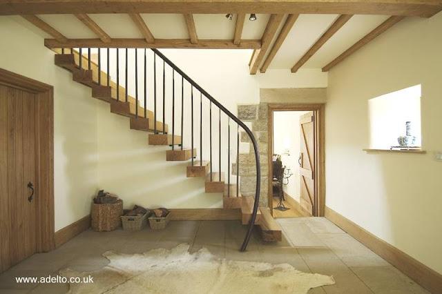Escalera contemporánea de escalones flotantes de madera