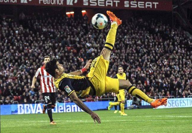 El Atlético remonta al Athletic en San Mamés