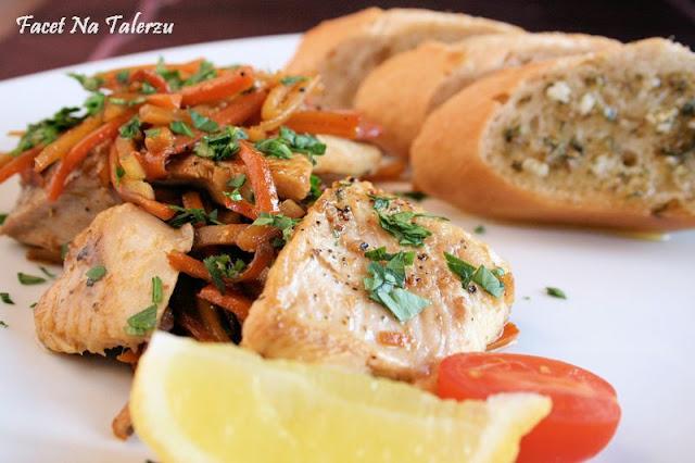 Aromatyczna ryba z warzywami