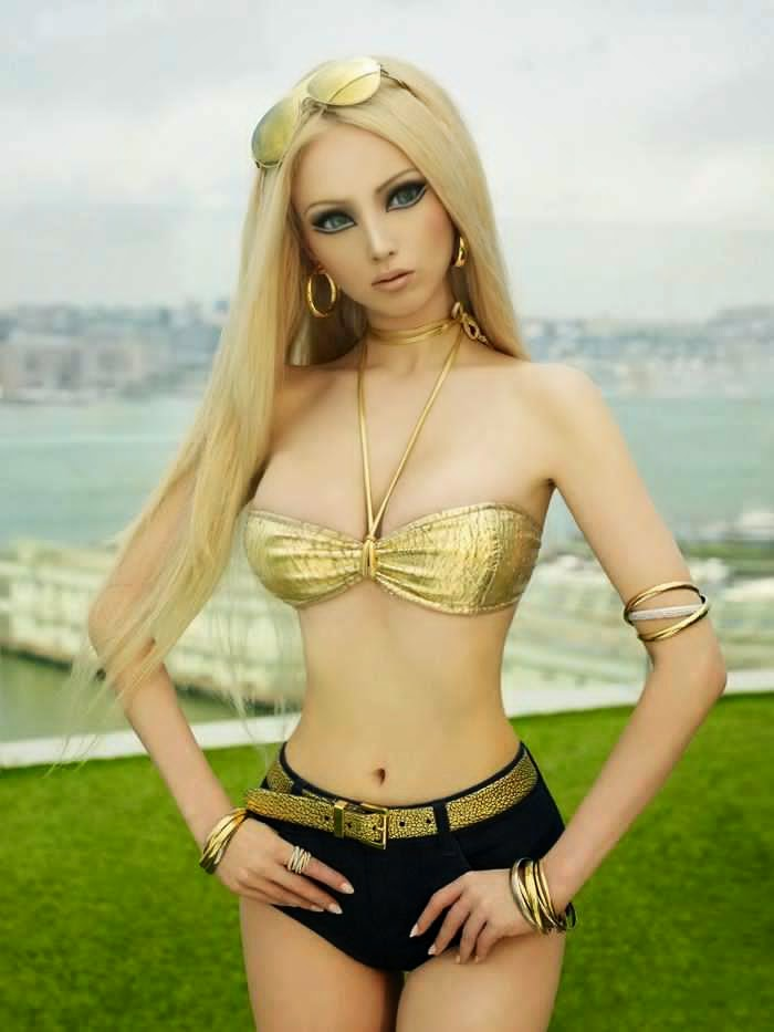 Valeria Lukyanova photo 001