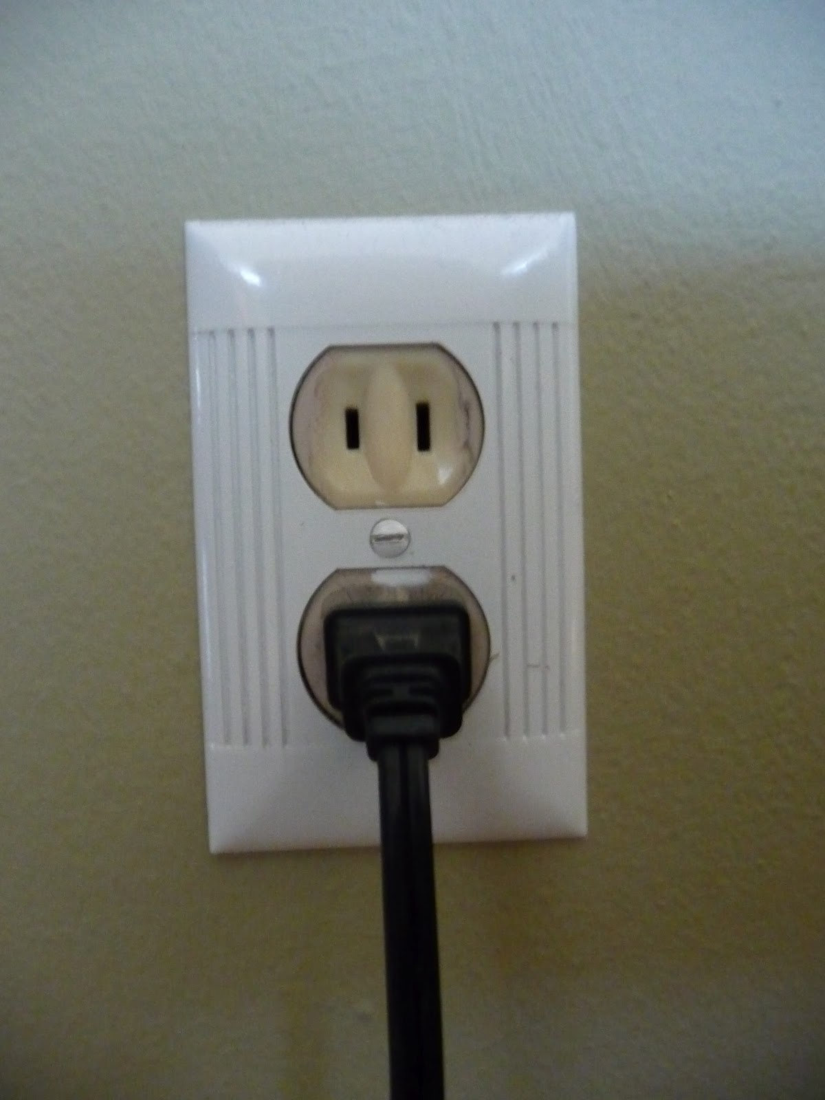 Electric Power Outlet : Farm house sisters diy electrical outlets