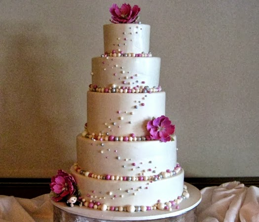 Wedding Cake Bakery 33 New The couple asked for