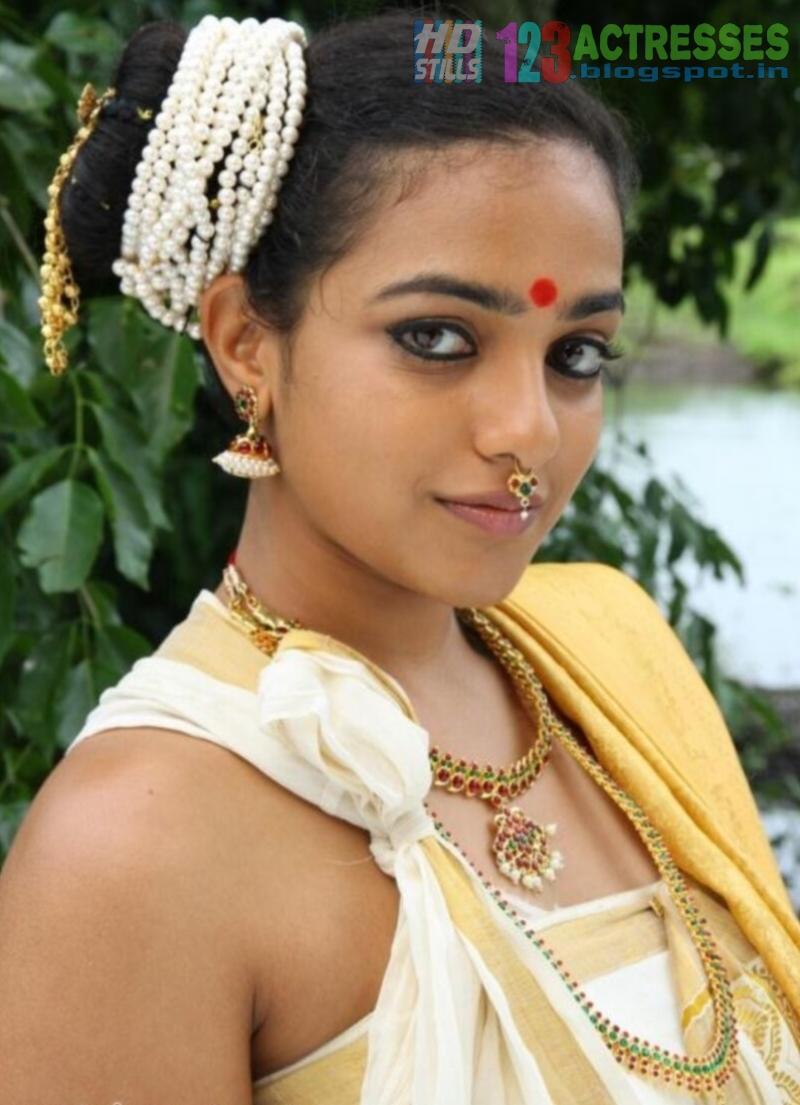 Namitha Photos without Dress& ult http://newsduplicate.com/mulakacha ...