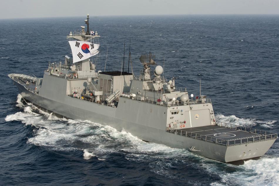 Corea - Armada de la República de Corea (Corea del Sur) U.S.+Navy+CVN-73+George+-+Washington+aircraft+carrier%252C+DDG+85+Mike+Campbell+missile+destroyers%252C+Japanese+Shirane-class+guided+missile+destroyer+DDH144+pommel+horse%252C+South+Korea+sent+the+DDH-976+Chungmugong+missil+%25283%2529